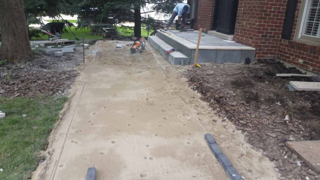 Alexas Lawn Maintenance Service