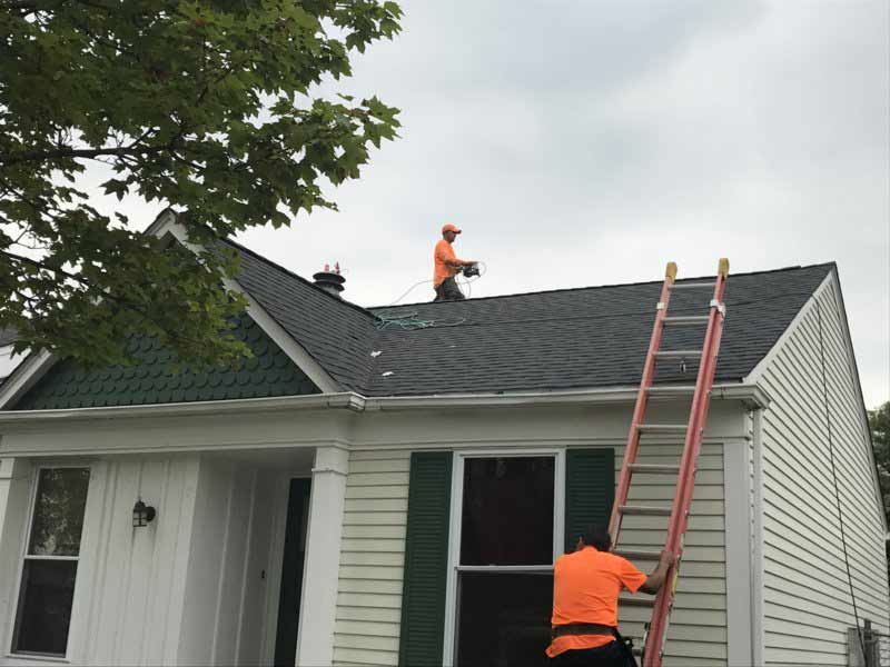 Roofing-service-St-Charles